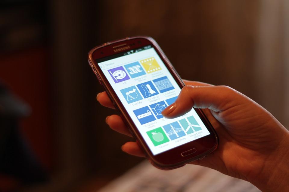 In rete con smartphone