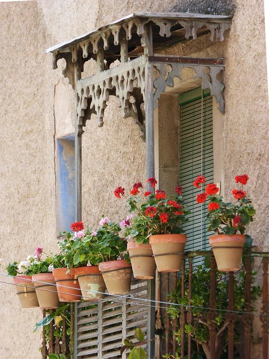 Pulizia quotidiana balcone