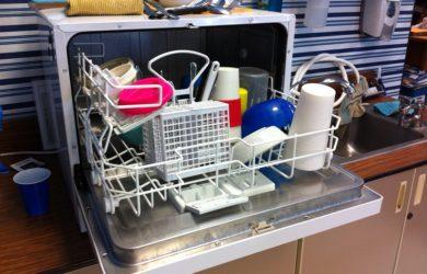 Scaricare subito la lavastoviglie è importante
